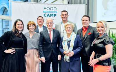 Das dritte Food Innovation Camp begeisterte mit vielfältigem Programm und prominenten Gästen – Diskutiert wurde etwa die Zukunft des Essens mit Beyond Meat und Insekten, der Logistik mit innovativen Transportlösungen während neue Food-Konzepte auf die Giganten des Handels trafen