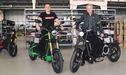 """Innovation """"Made in Brandenburg"""": Aaron Troschke besichtigt eROCKIT-Produktion"""